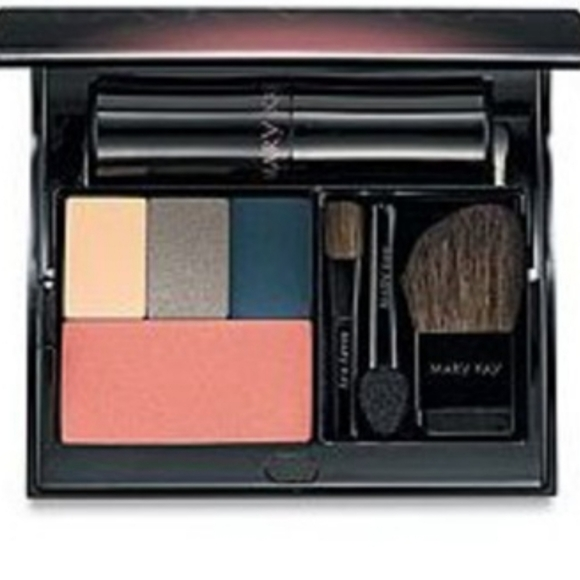 Mary Kay Cosmetic Compact